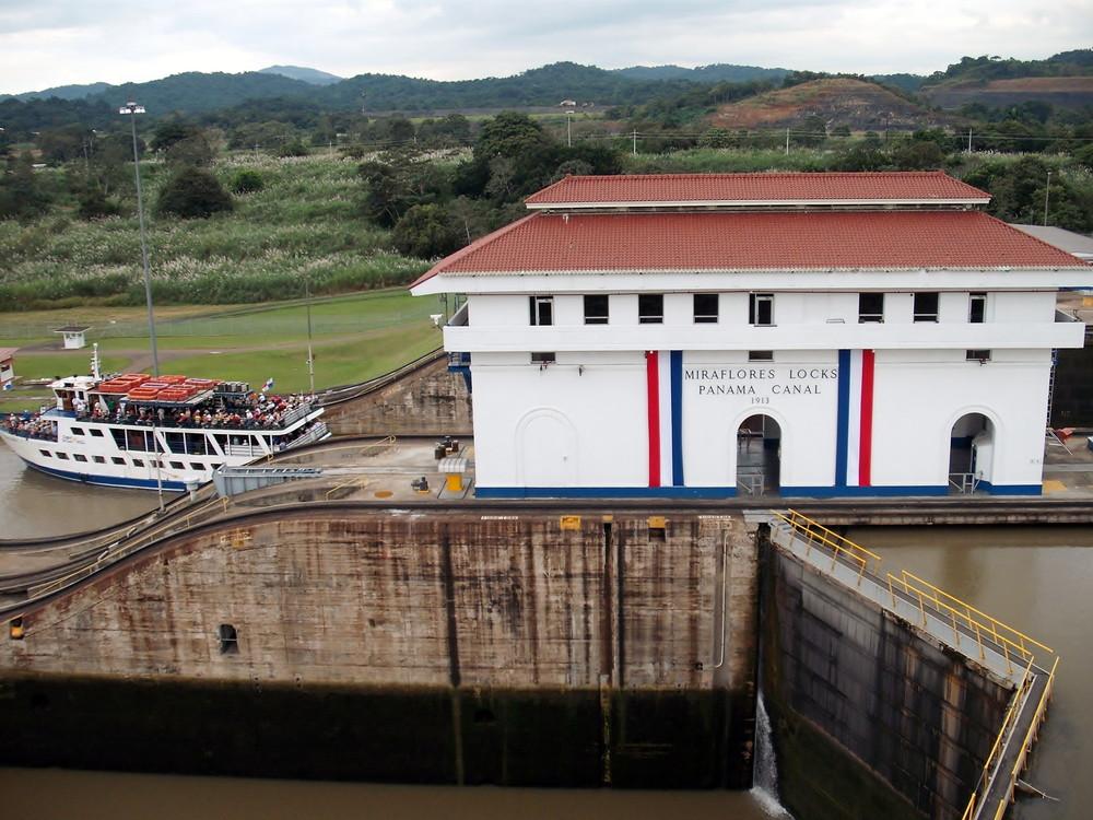 世界一周・パナマ運河観光_11.jpg