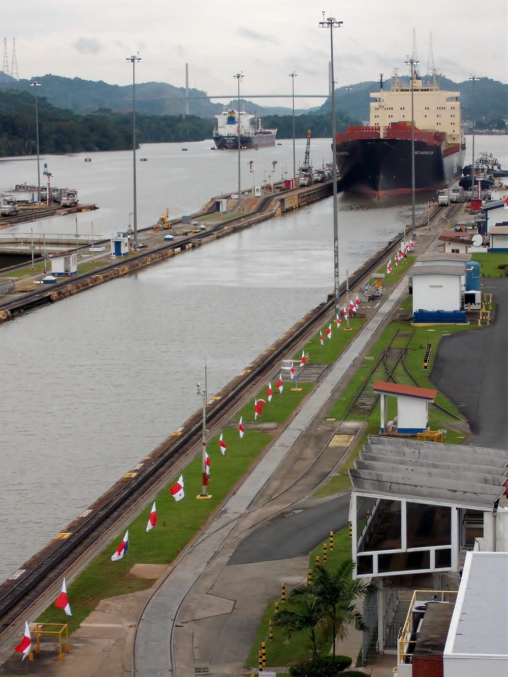 世界一周・パナマ運河観光_13.jpg