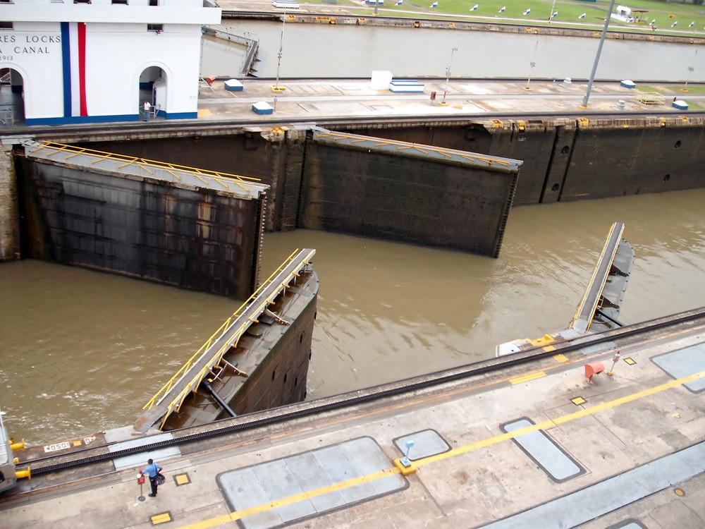 世界一周・パナマ運河観光_41.jpg