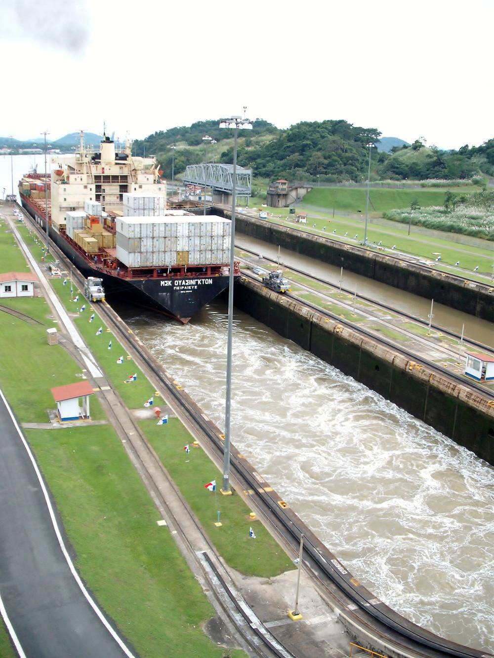 世界一周・パナマ運河観光_48.jpg