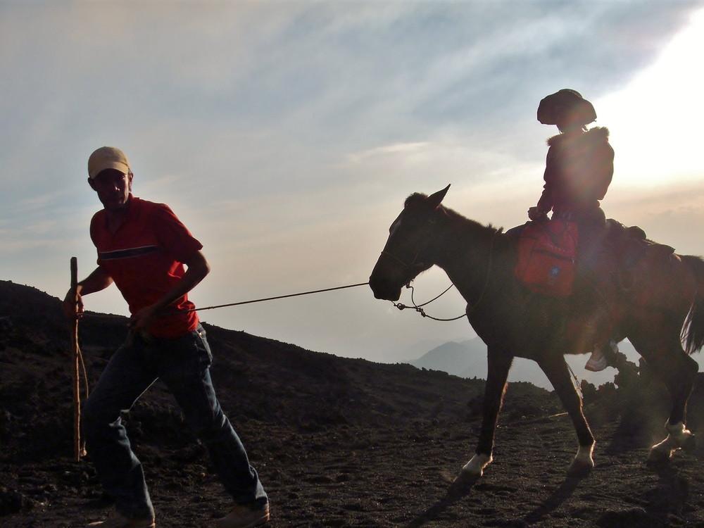 世界一周・グアテマラ・パカヤ火山観光_9.jpg